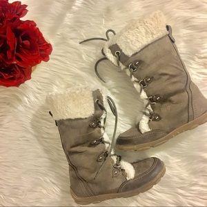 Girls Report Fur Boots